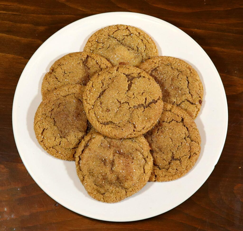 old fashioned ginger snaps cookie