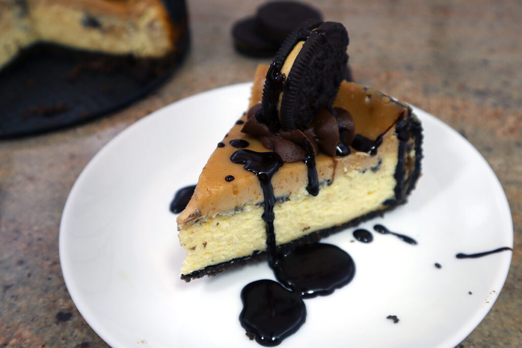Peanut Butter Oreo Cheesecake with Chocolate sauce