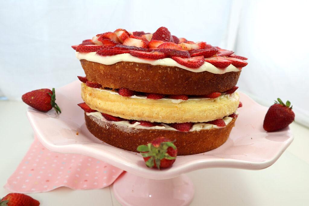 Yummy Strawberry Cheesecake Cake