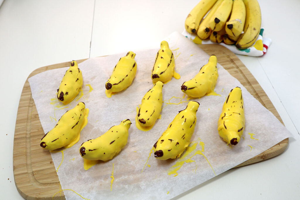 You'll Never Guess These Cute Mini Bananas Are Actually Banana Bread Cake Pops