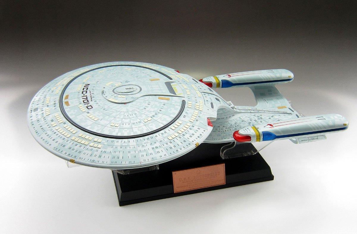 Star Trek U.S.S. Enterprise D NCC-1701D [1/2000 Scale Completed]