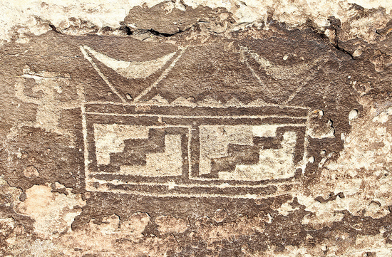 Ancient Puebloan glyph depicting the Ark of the Covenant in America.