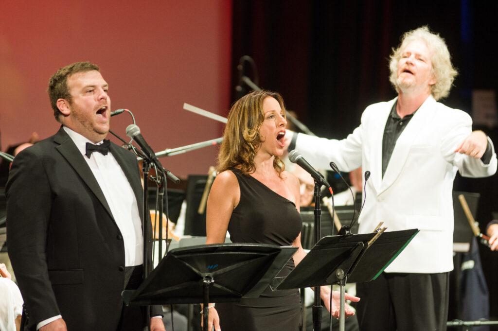 Conducting singers