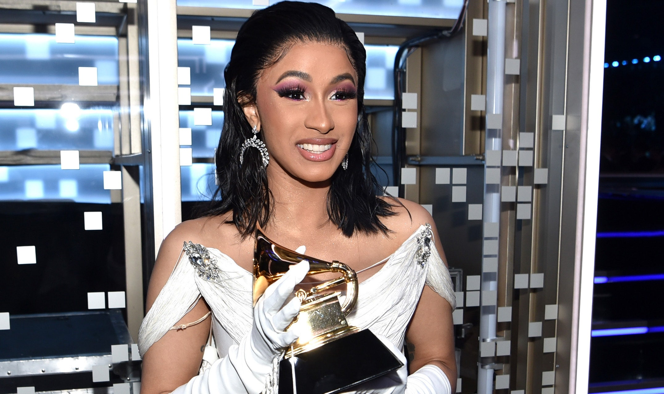 Cardi B Becomes First Female Rapper To Earn A Diamond Single