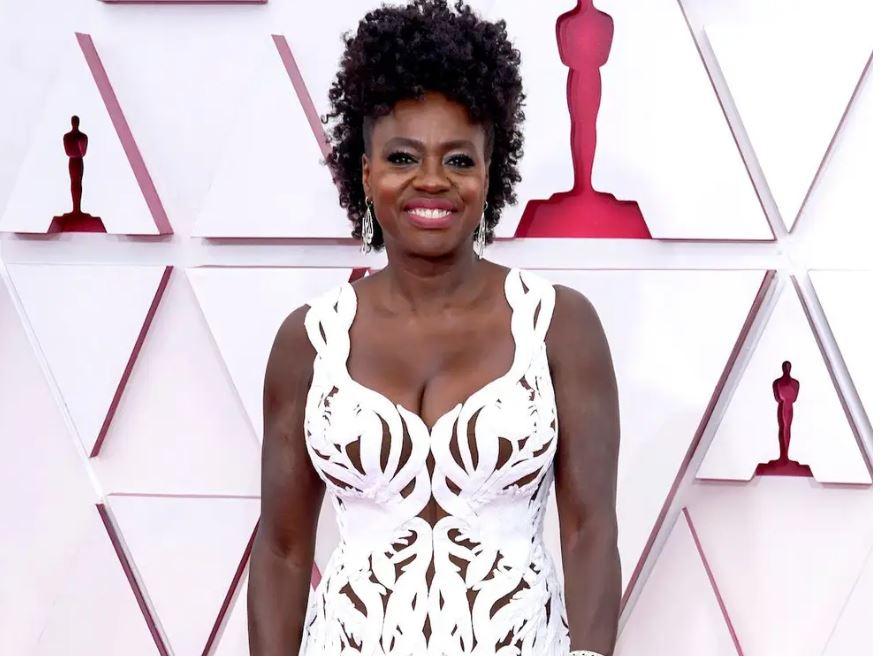 Viola Davis' Red Carpet Tribute to Chadwick Boseman Deserves an Oscar of Its Own