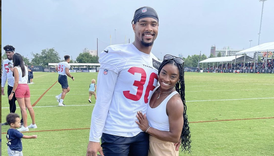 Simone Biles Shows Support for NFL Boyfriend Jonathan Owens