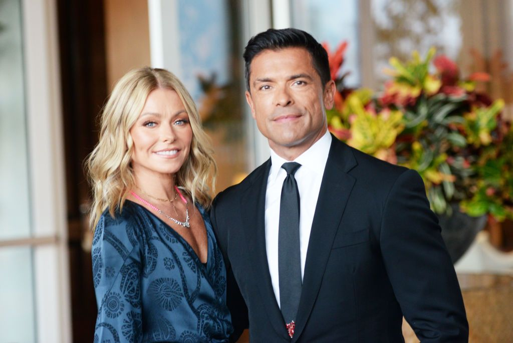 """Kelly Ripa and Marking Consuelos are """"Crushing"""" It at Being Empty Nesters"""