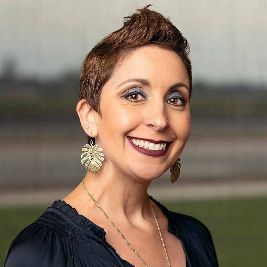 Suzanne Castillo