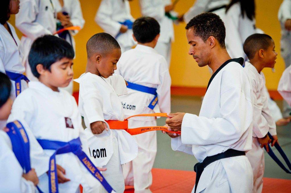 master-salim-taekwondo-belt-ceremony-children