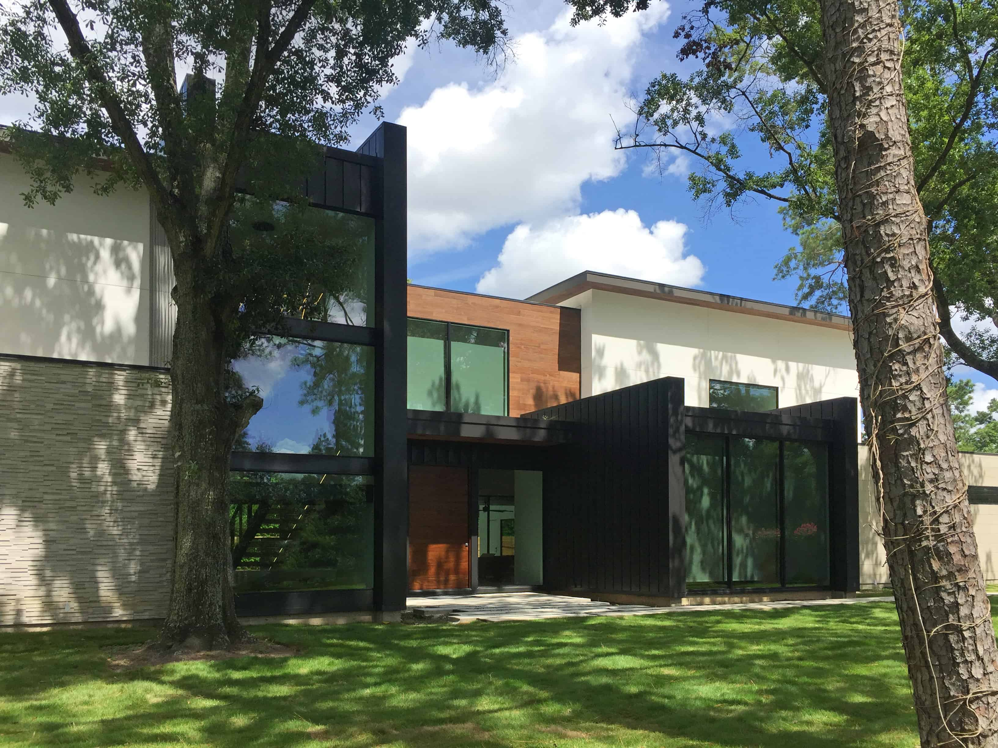 Warm Modern Home Piney Point Memorial Houston facade.