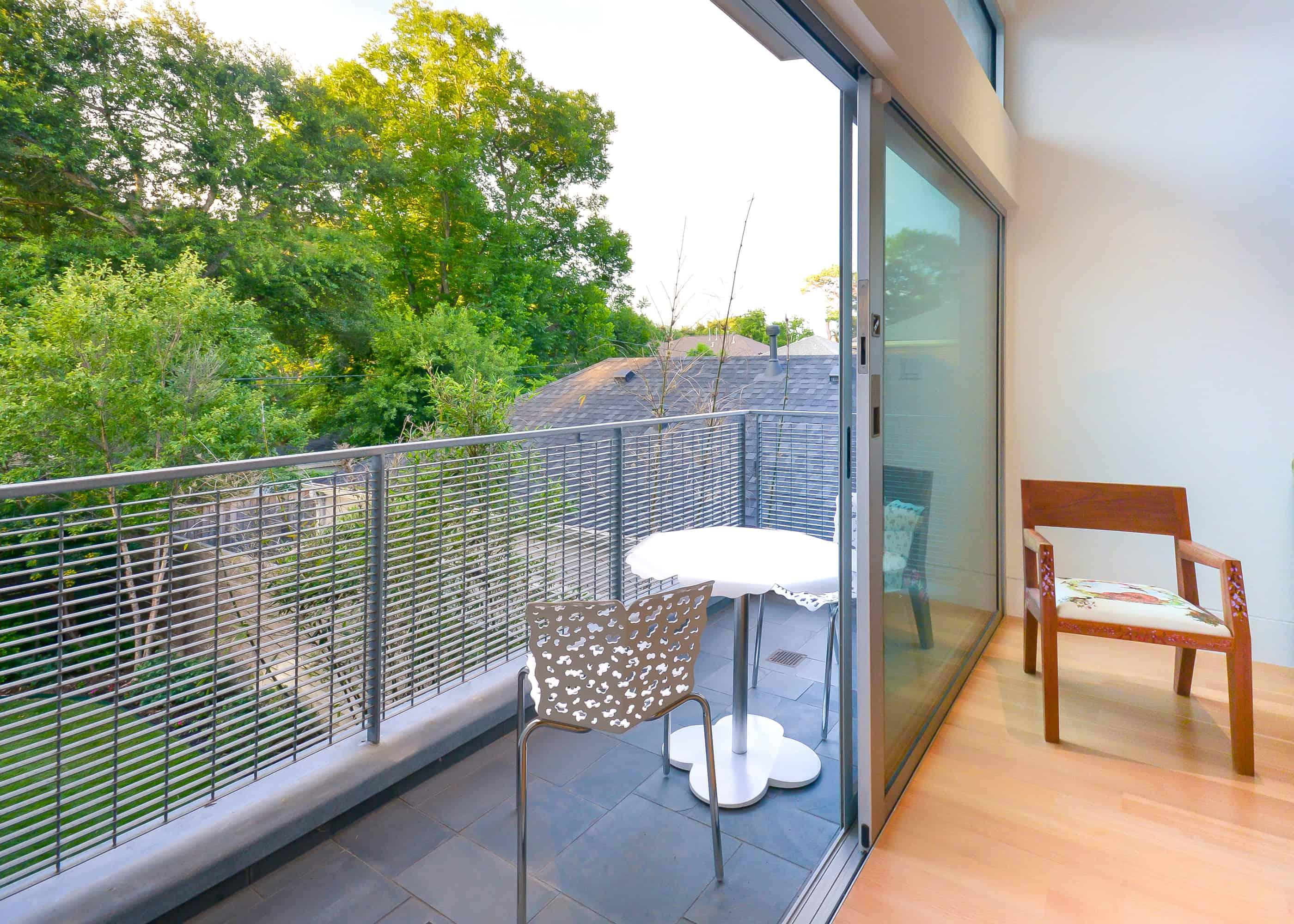 West U modern balcony
