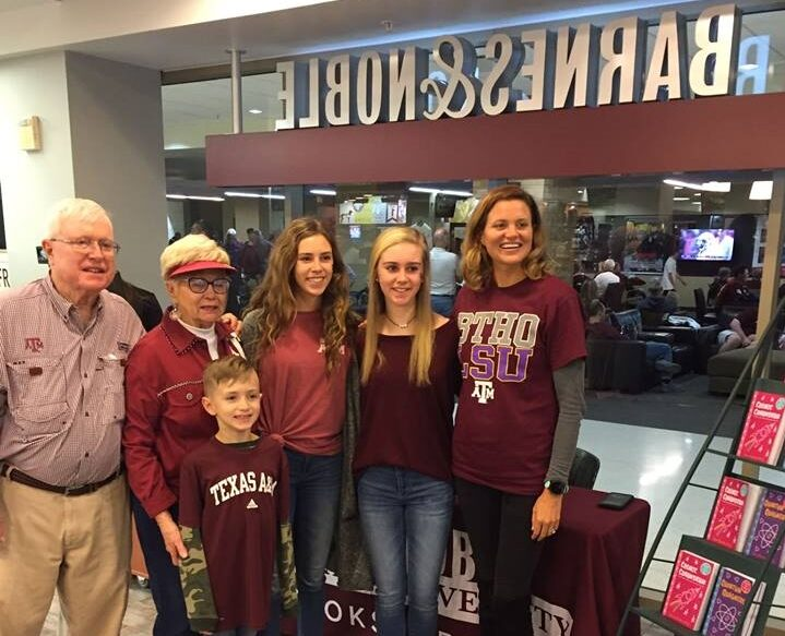 Texas A&M Bookstore Hosts Serafina Loves Science! Author