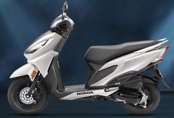 Honda Grazia Scooter color 4