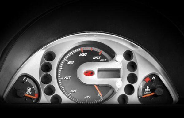 Mahindra Supro Mini Van dashboard