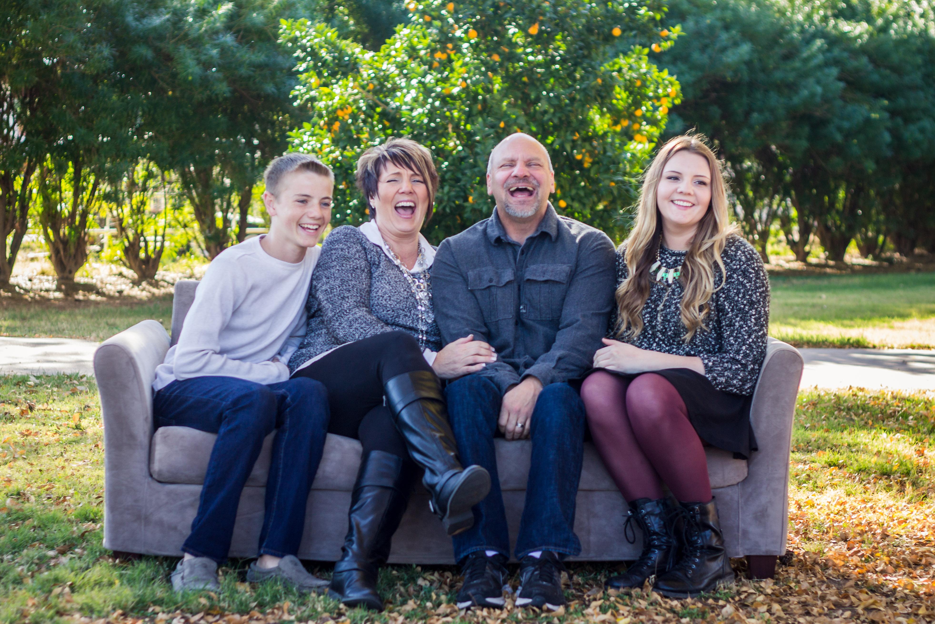 Laughing Family {Alysa Bajenaru Photography}