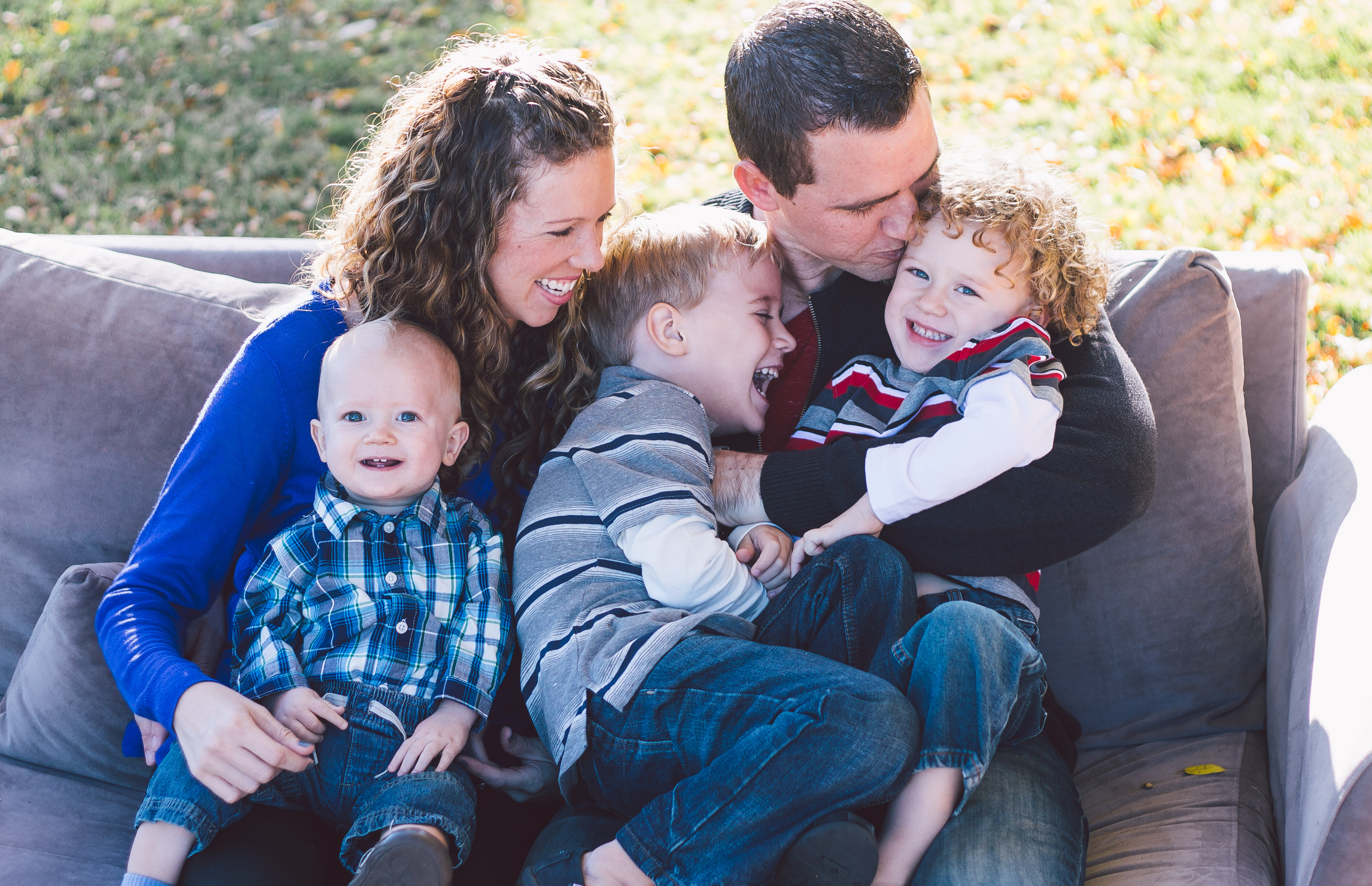Family Pose {Alysa Bajenaru Photography}