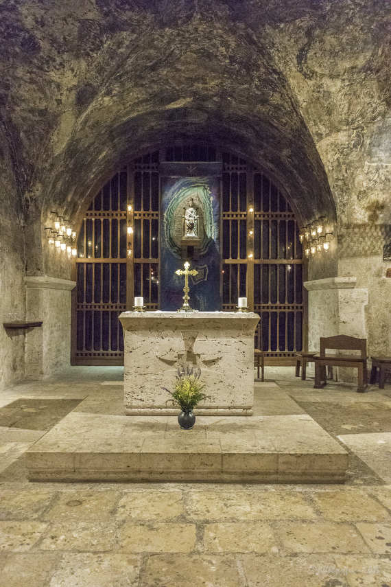 Chapel of Notre Dame Sous Terre at Chartres Cathedral by photographer Jill K H Geoffrion