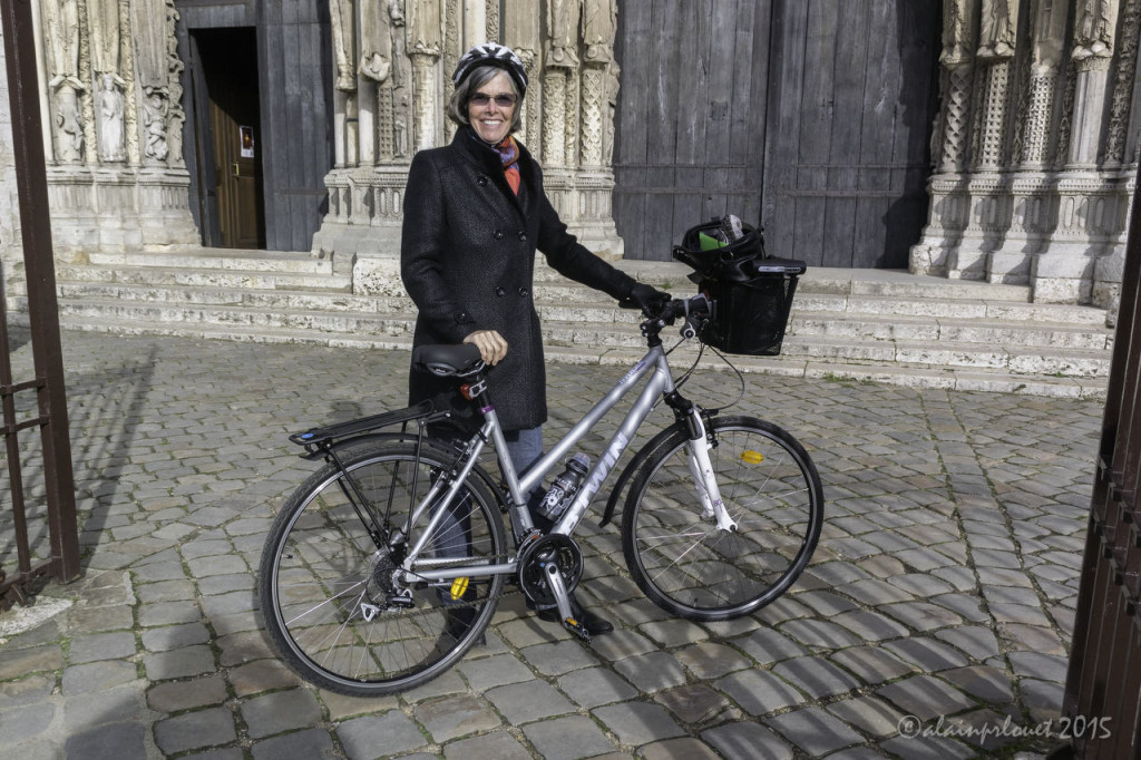 Jill Geoffion arriving at the Chartres Cathedral