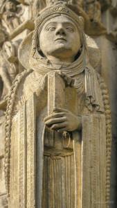 Queen, Column statue by photographer Jill K H Geoffrion