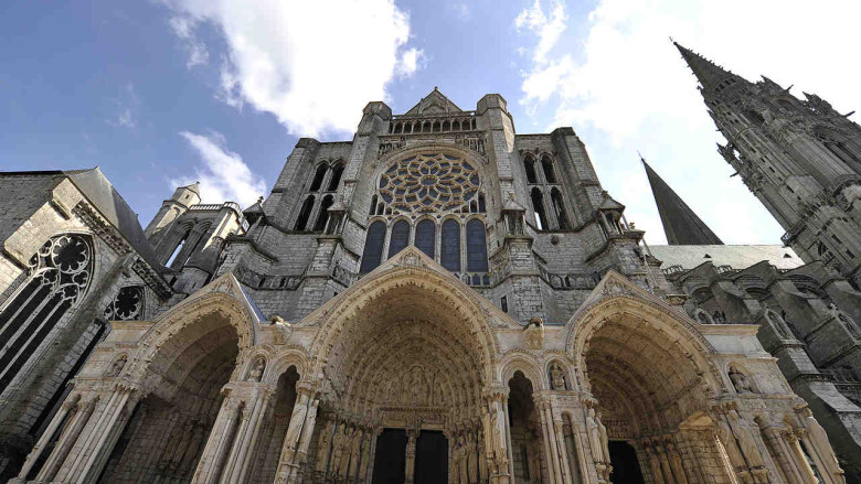 North Porch at Chartres Cathedral by photographer Jill K H Geoffrion