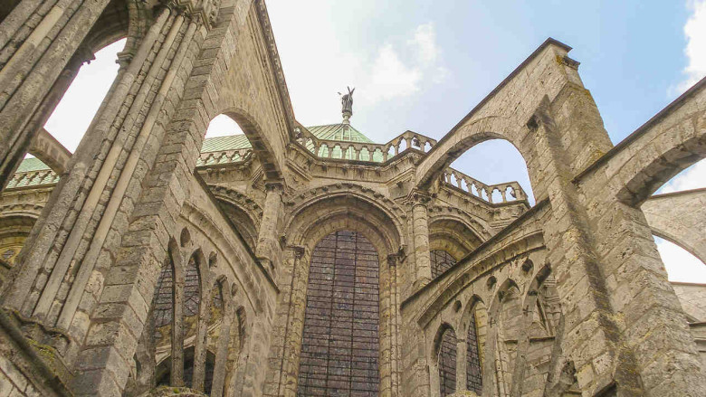 The angel Michael or Gabriel above the flying buttresses
