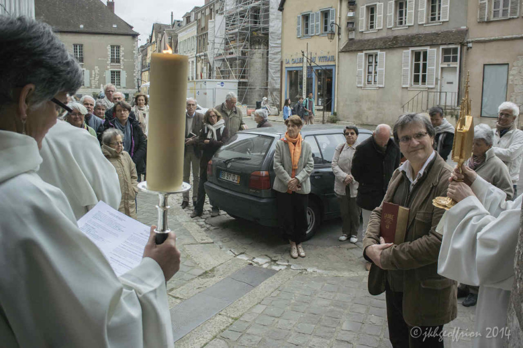 Procession through the crypt outside the north door of Chartres Cathedral by photographer Jill K H Geoffrion