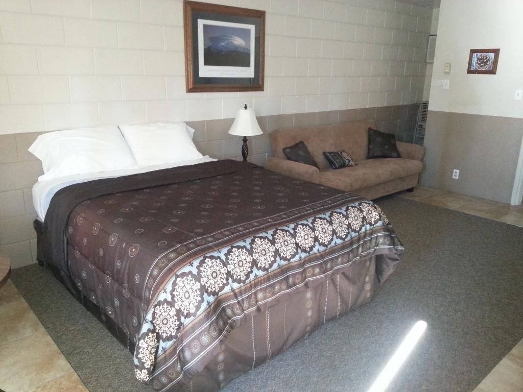 Neu Lodge Motel Room #1