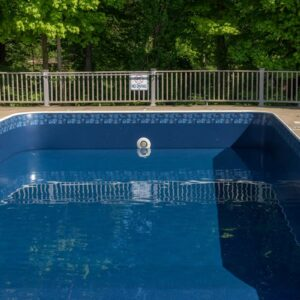 gilbert-poolman-drained-pool-service-image
