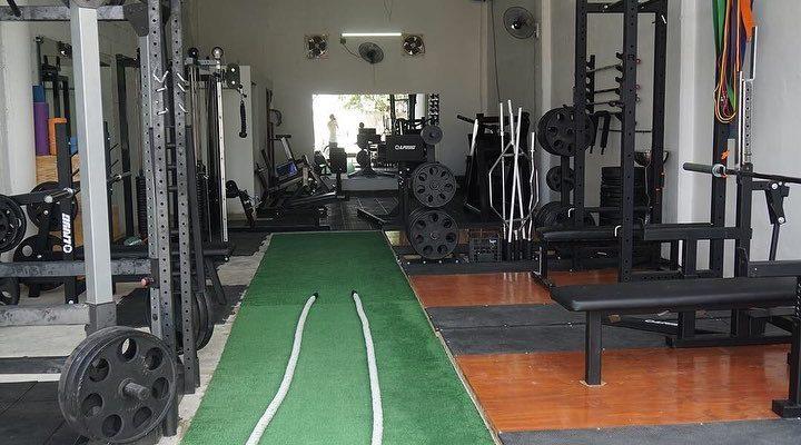 Barbell Playa Gym