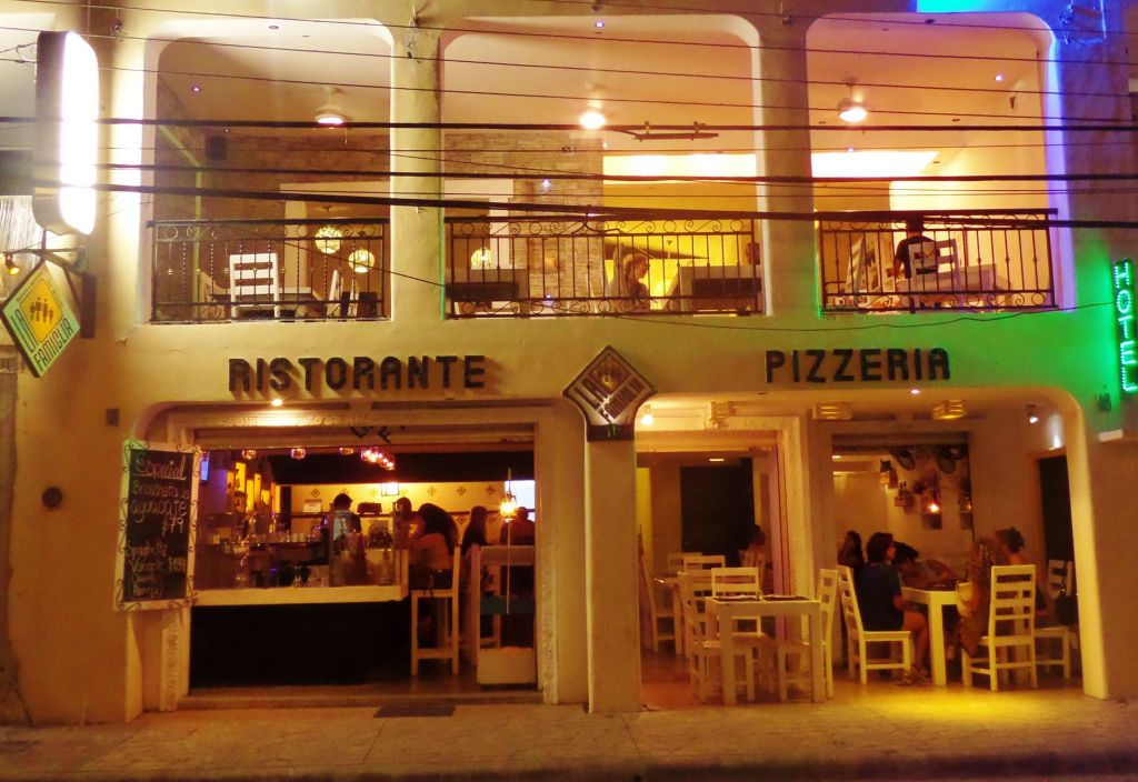 La Famiglia Italian Restaurant in Playa Del Carmen