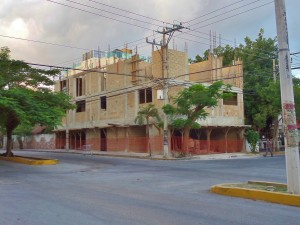 new building in Playa Del Carmen