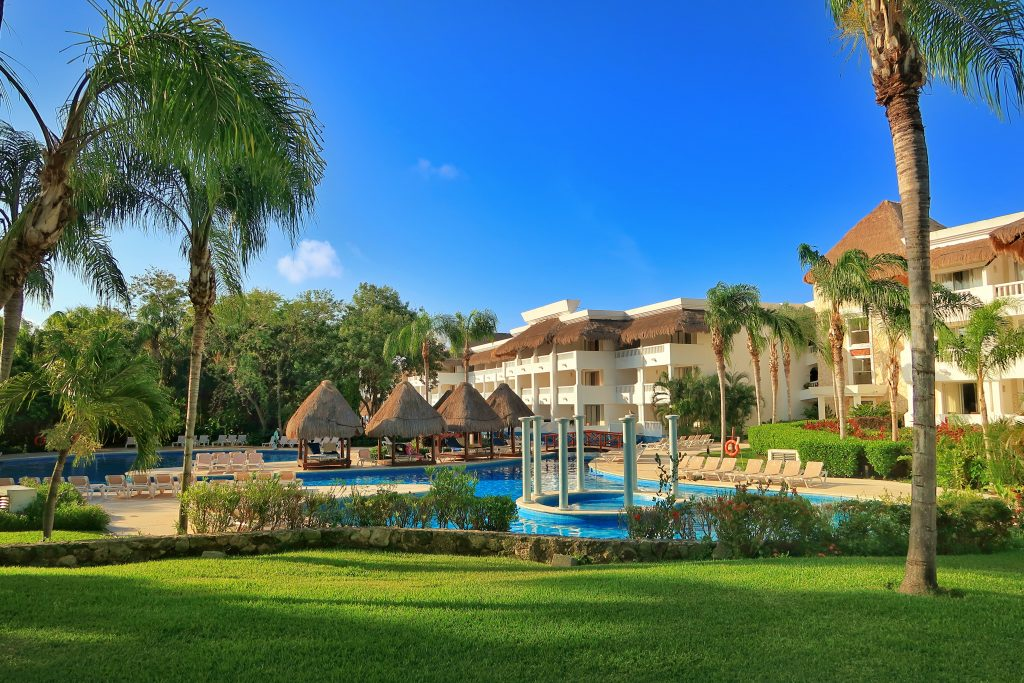 travel now to Playa Del Carmen