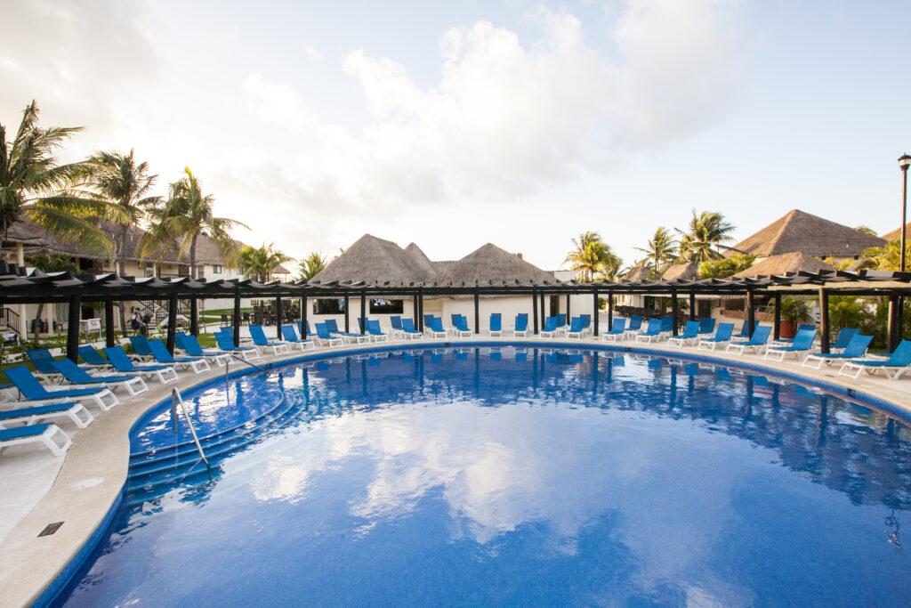 Allegro Playacar pool