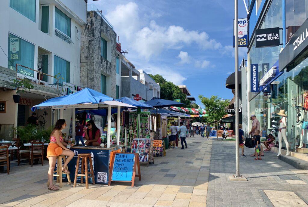 Playa Del Carmen street venders