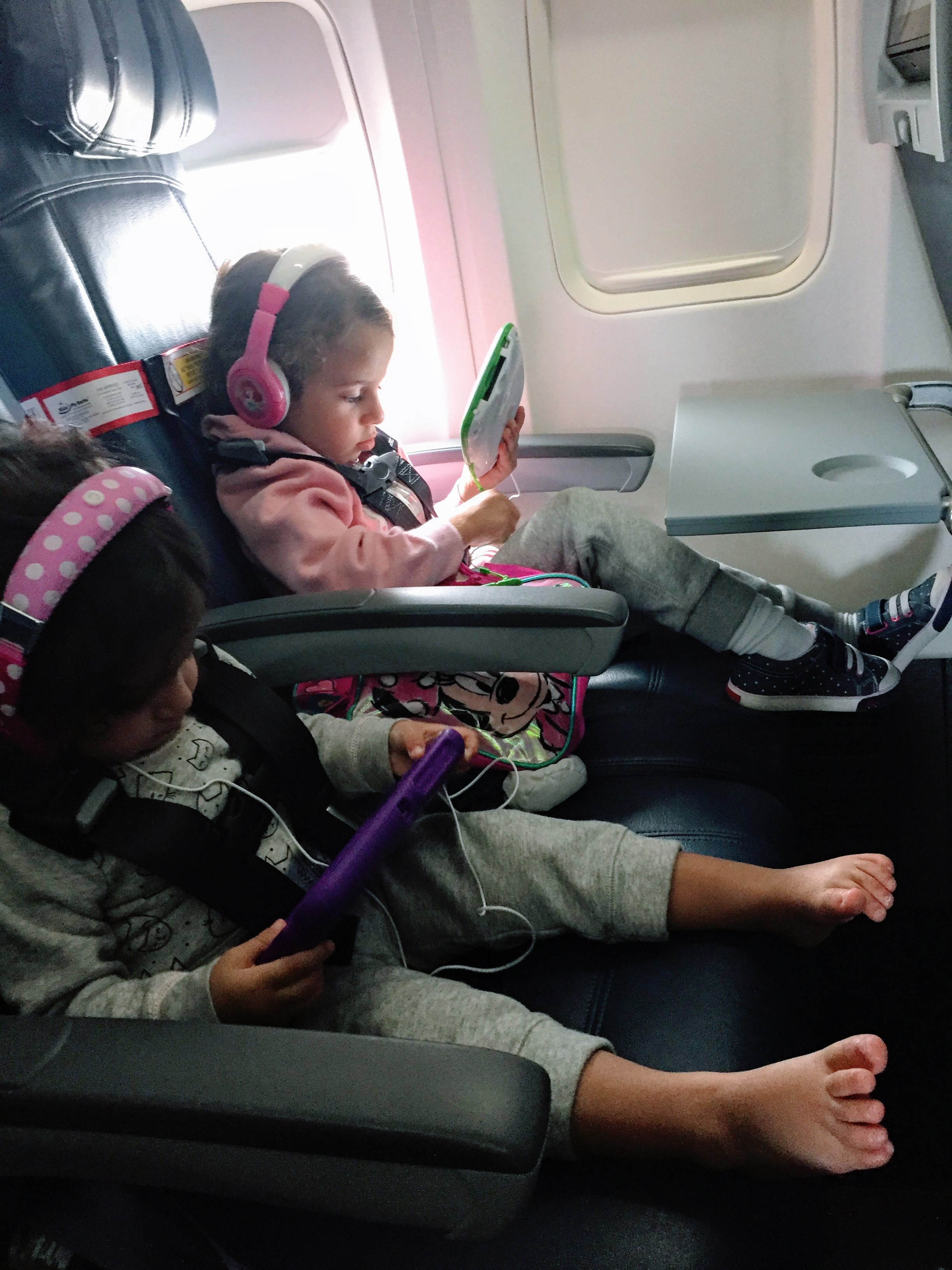 """I Never Leave My """"Cares Harness"""" Behind When Flying with Tots"""