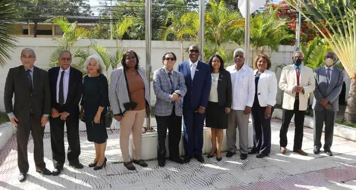 Miembros de la FEU y del Consejo Académico UNEV