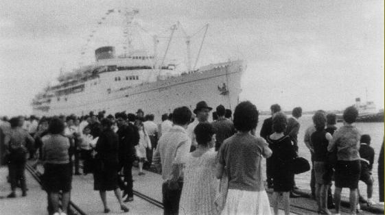 """Το καράβι """"Ελληνίς"""" στην αποβάθρα της Μελβούρνης """"Station Pier"""""""