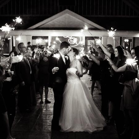 sparkler-sendoff-wedding-The-Brawley-Estate-Mooresville-North-Carolina-Histoirc-and-Timeless-Event-Venue