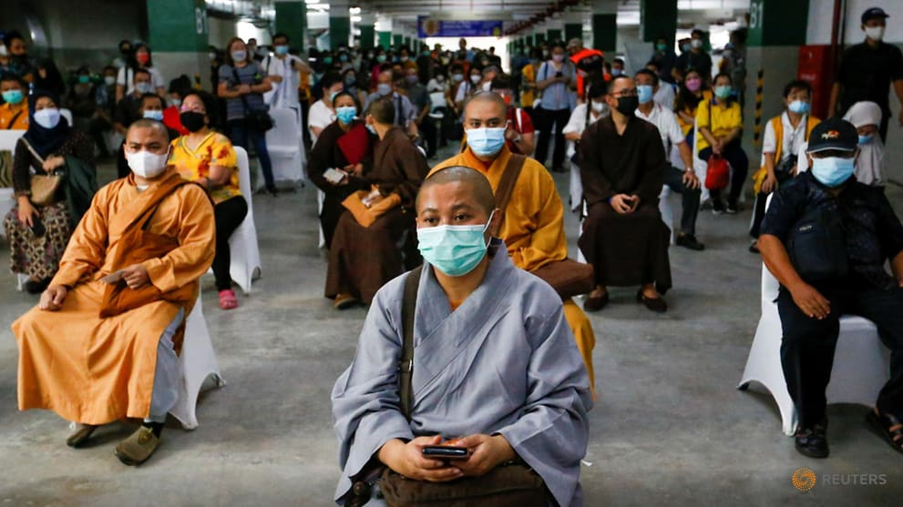 Big turnout as Indonesia holds mass vaccination drive for clergy