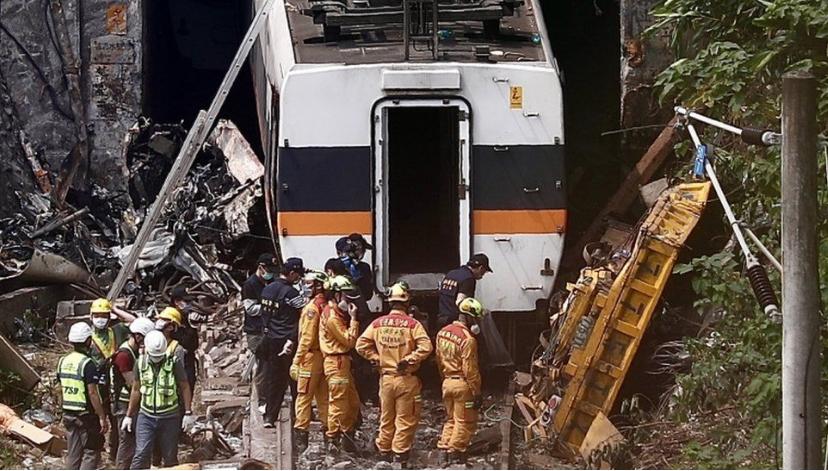 Taiwan train crash: Lorry boss offers 'deep remorse'
