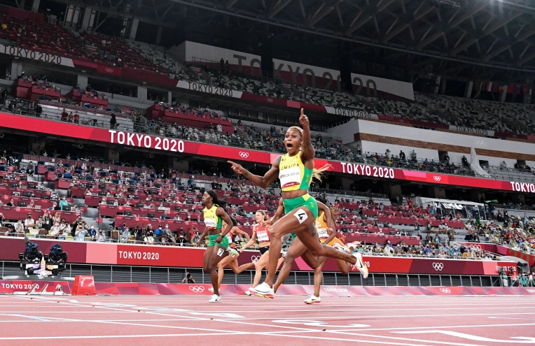 Thompson-Herah leads Jamaican sweep in women's Olympic 100m