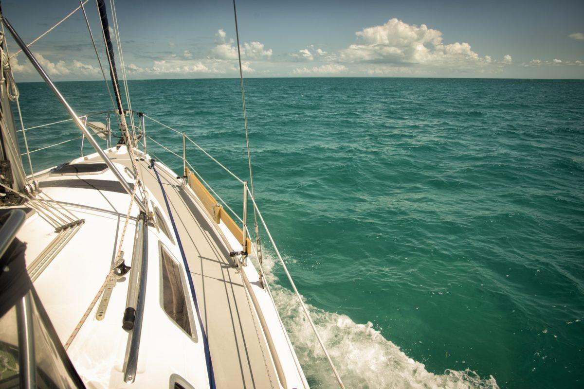 Fiji _ sailboat-ocean-bahamas-abacos-sea-travel-boat