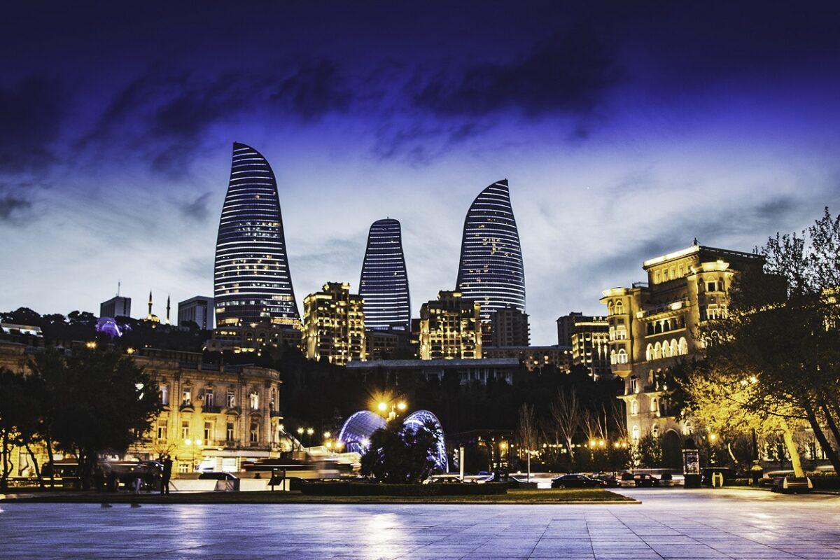 1542103185_8460476_1542103095_121338Travel-to-Baku-Azer_nK1eM3F