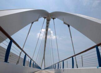 bridge side walk