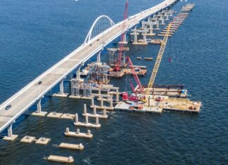 Pensacola Bay Bridge under repair