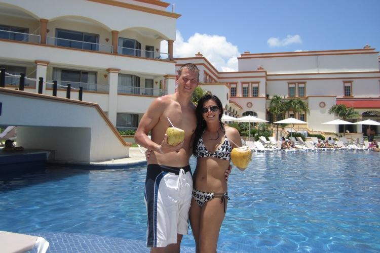 Masse and David at Aventura's pool