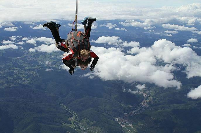 How this Woman Survived a 5,000 Ft Fall After Parachute Fails to Open