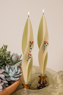 Prickly Pair Silhouette-twisted beeswas candles