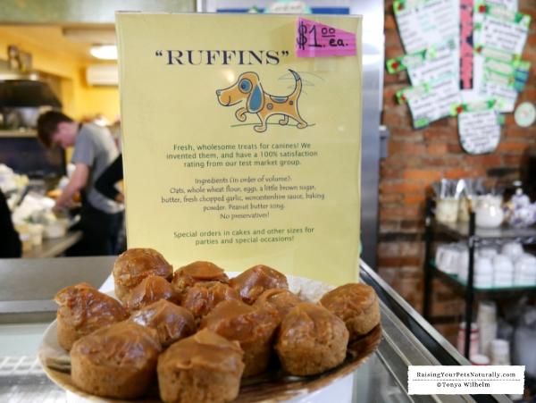Dog-Friendly Restaurants in Delaware. INDOOR Dog-Friendly Centreville Cafe. #DextersDestinations #RaisingYourPetsNaturally