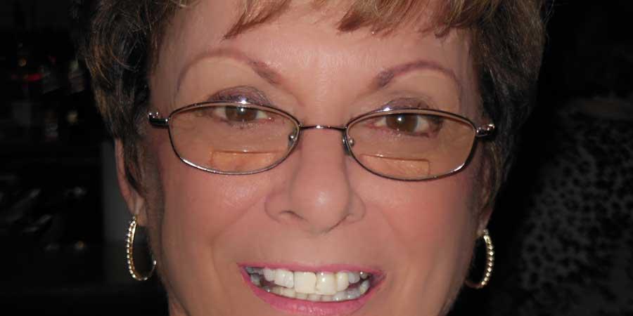 Woman Wearing Bifocal Lenses with Lines Eyeglasses